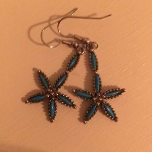 EARRINGS in faux silver and turquoise.
